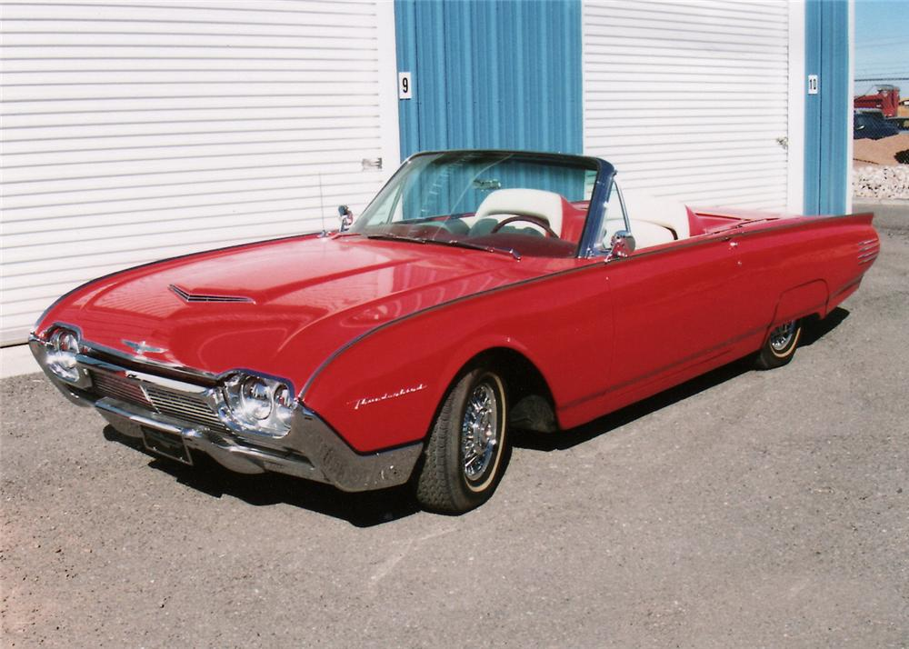 1961 FORD THUNDERBIRD CONVERTIBLE PACE CAR RE-CREATION - Front 3/4 - 61537
