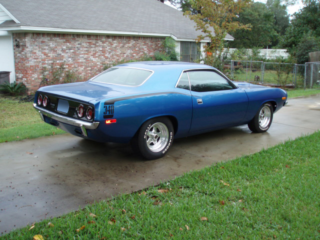 1972 PLYMOUTH CUDA 2 DOOR HARDTOP - Rear 3/4 - 61711