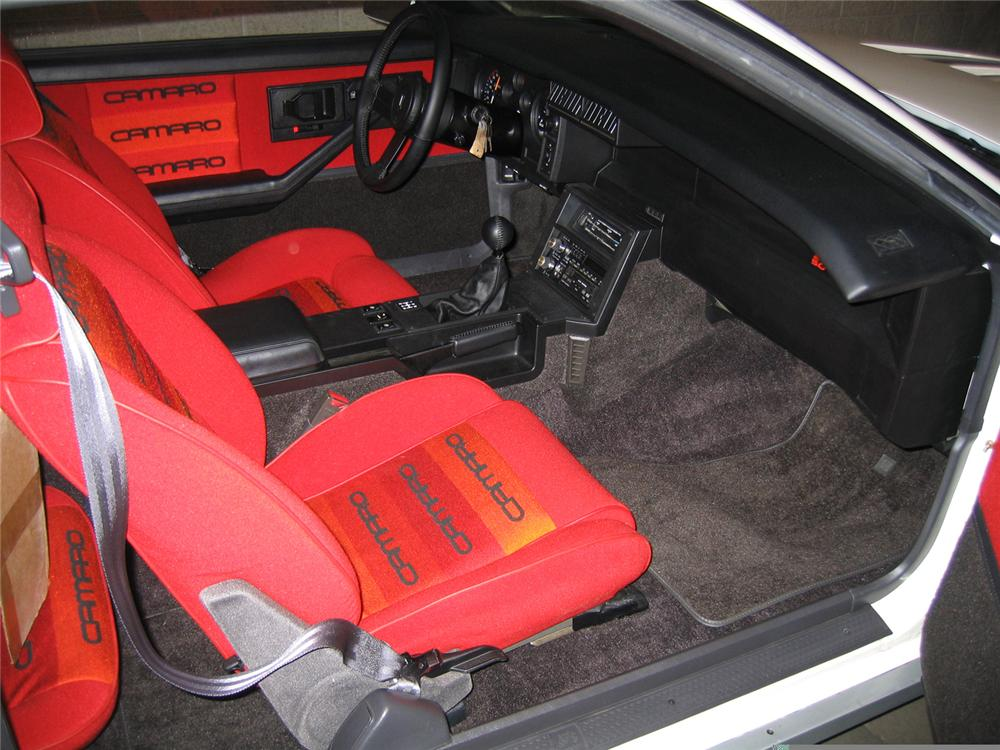 1984 CHEVROLET CAMARO Z/28 COUPE - Interior - 61713
