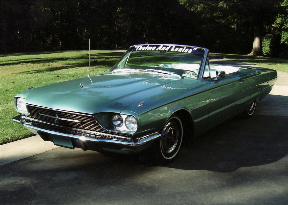 """1966 FORD THUNDERBIRD """"THELMA & LOUISE"""" MOVIE CAR - Front 3/4 - 61726"""
