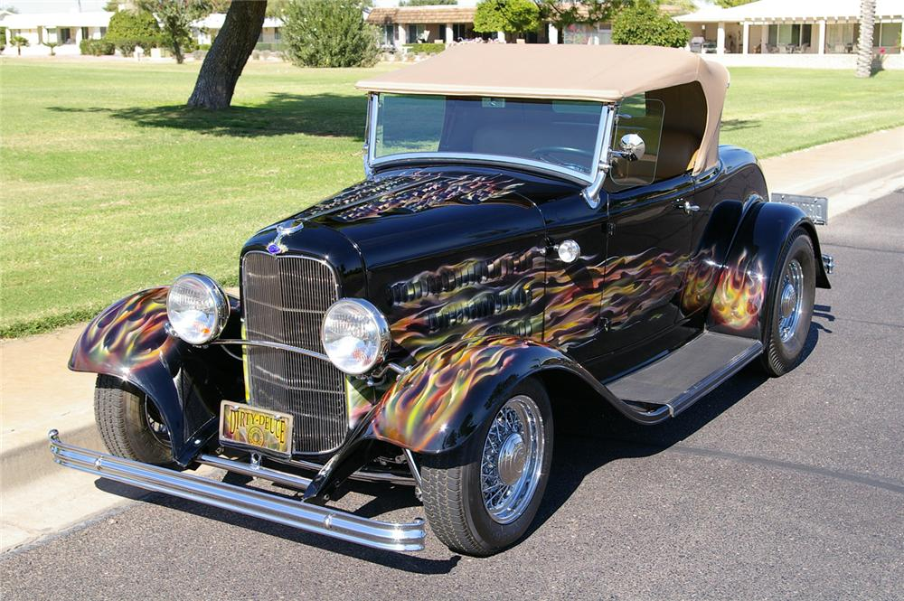 1932 FORD CUSTOM ROADSTER - Front 3/4 - 61763