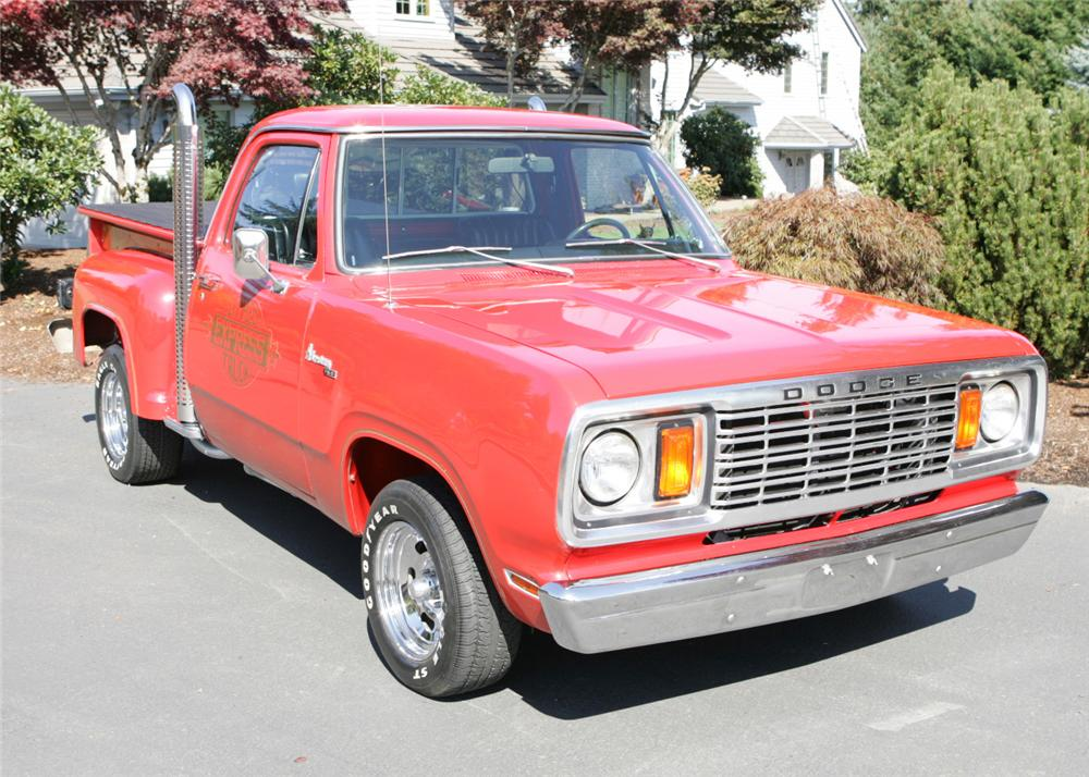 1978 DODGE D15 LIL RED EXPRESS PICKUP - Front 3/4 - 61806