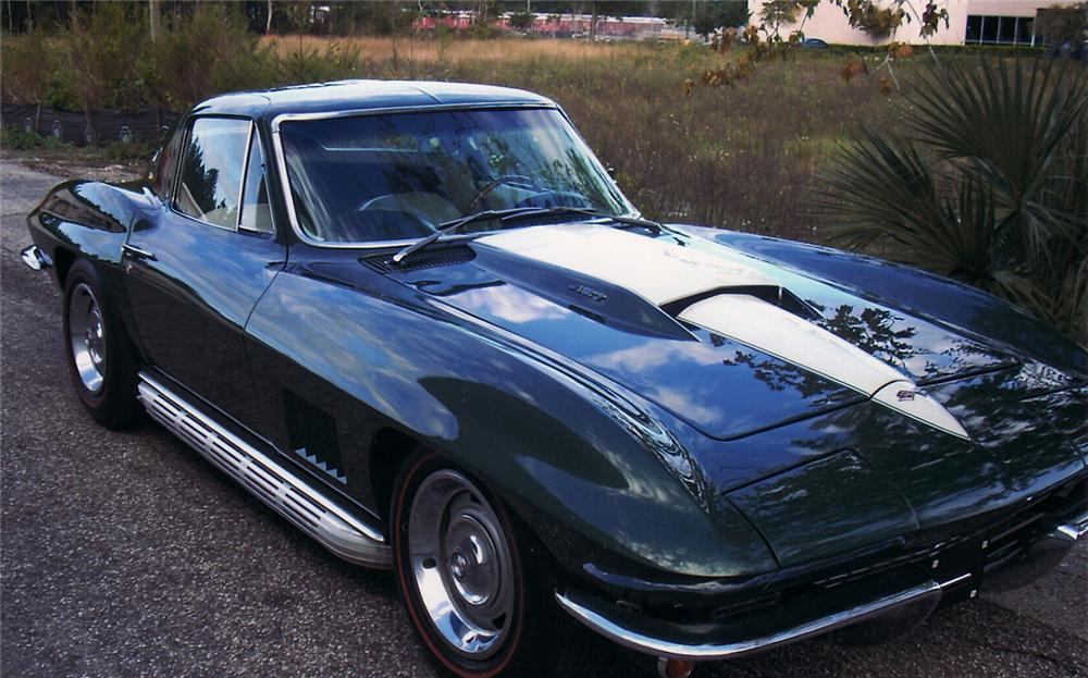 1967 CHEVROLET CORVETTE COUPE - Front 3/4 - 61817