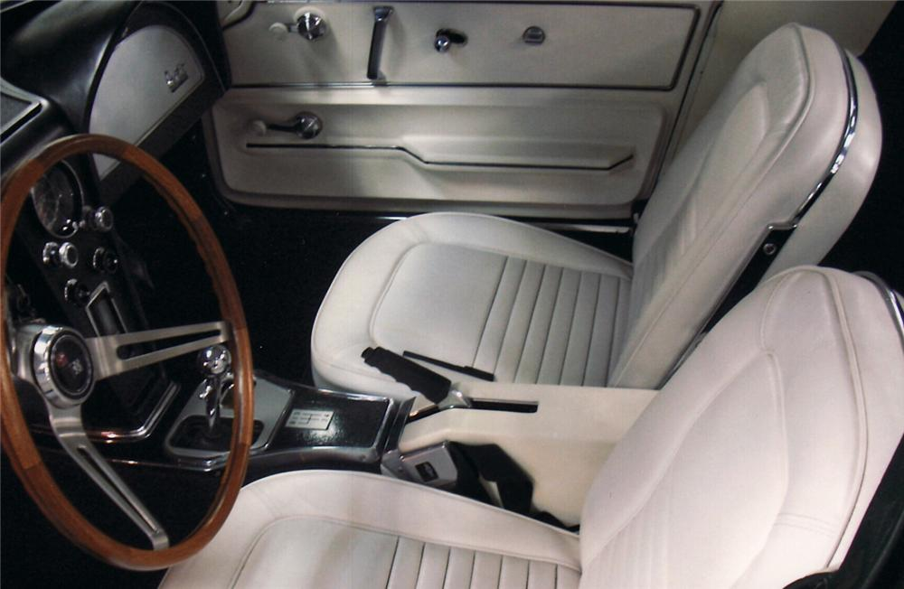 1967 CHEVROLET CORVETTE COUPE - Interior - 61817