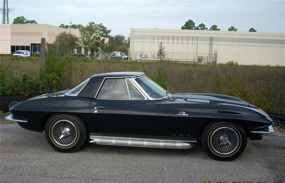 1965 CHEVROLET CORVETTE COUPE - Side Profile - 61819