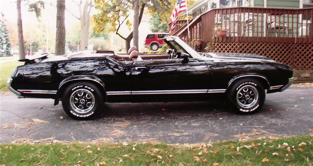 1970 OLDSMOBILE CUTLASS SUPREME CUSTOM CONVERTIBLE - Side Profile - 61849