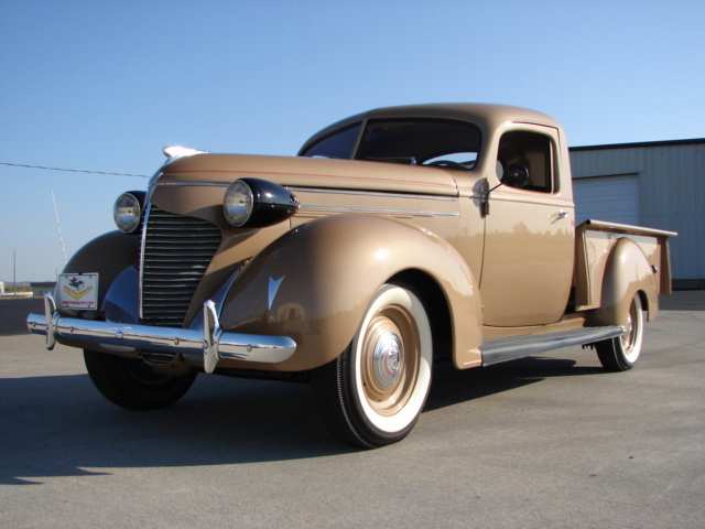 1939 HUDSON BIG BOY PICKUP - Front 3/4 - 61854