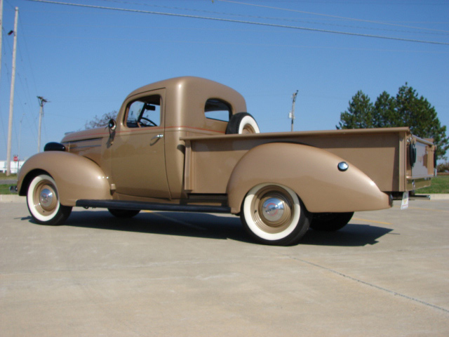 1939 HUDSON BIG BOY PICKUP - Rear 3/4 - 61854