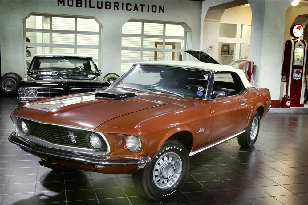 1969 FORD MUSTANG 428 SCJ CONVERTIBLE - Front 3/4 - 61877