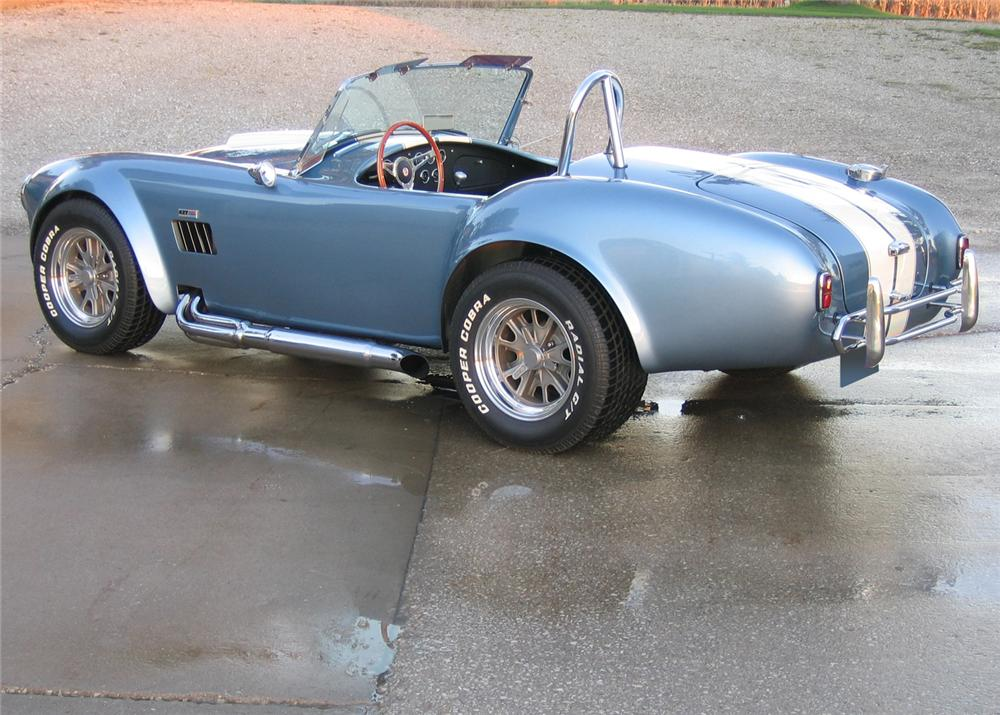 1966 SHELBY COBRA 427 RE-CREATION - Rear 3/4 - 61910