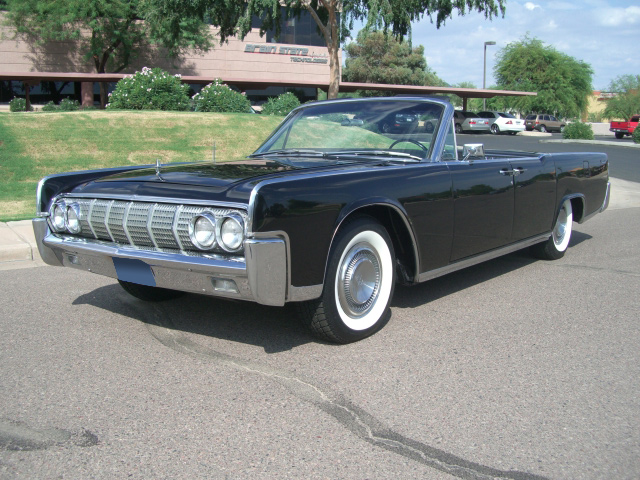 1964 LINCOLN CONTINENTAL CONVERTIBLE - Front 3/4 - 61917