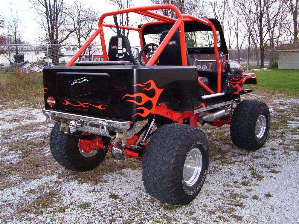 1985 AMERICAN MOTORS CUSTOM JEEP - Rear 3/4 - 61940