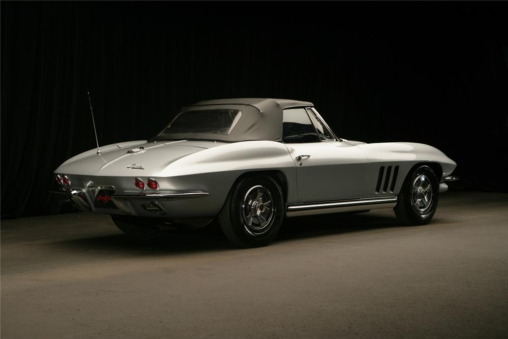 1965 CHEVROLET CORVETTE CONVERTIBLE - Rear 3/4 - 61987