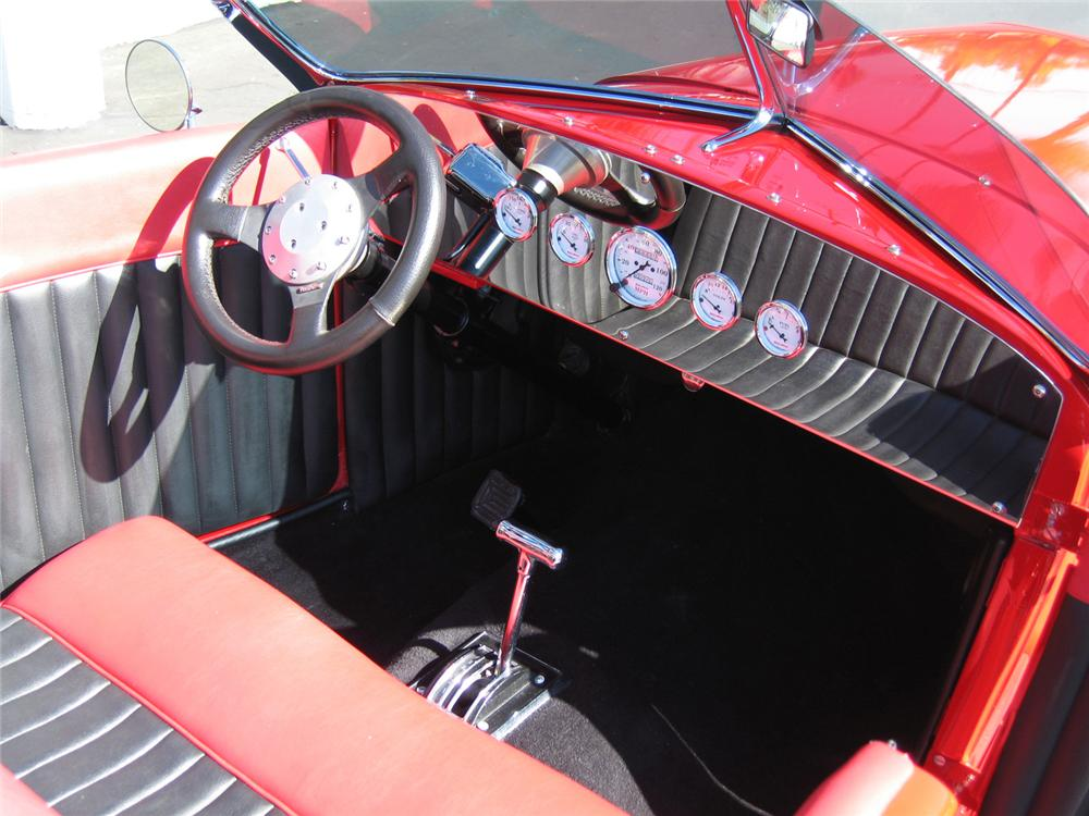 1927 FORD CUSTOM ROADSTER - Interior - 62012