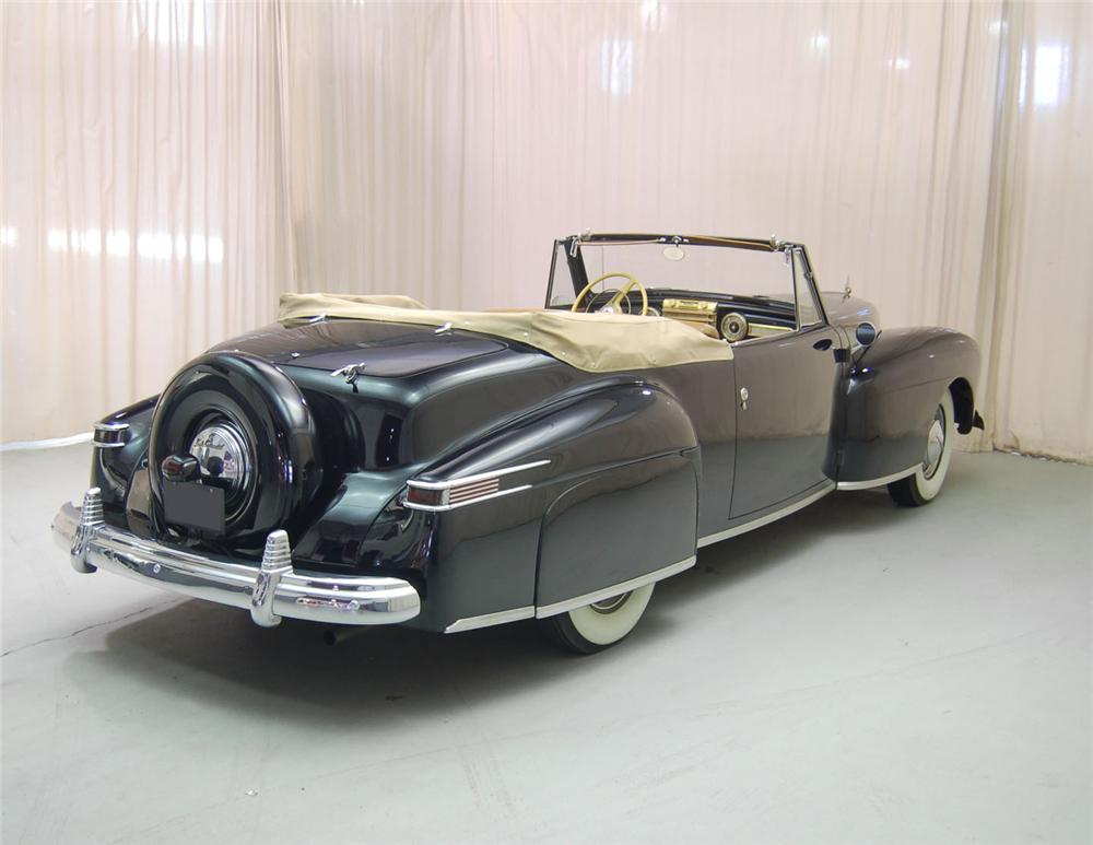 1942 LINCOLN CONTINENTAL CONVERTIBLE - Rear 3/4 - 62042