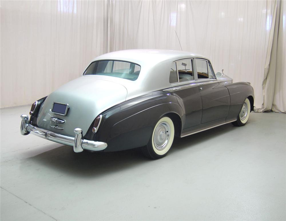 1960 ROLLS-ROYCE SILVER CLOUD II 4 DOOR SEDAN - Rear 3/4 - 62048