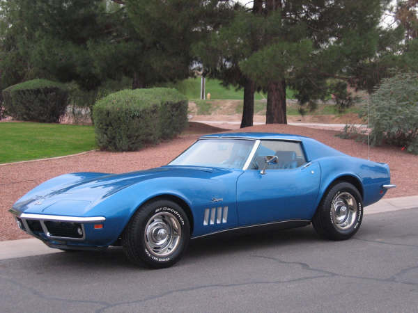 1969 CHEVROLET CORVETTE COUPE - Front 3/4 - 62148