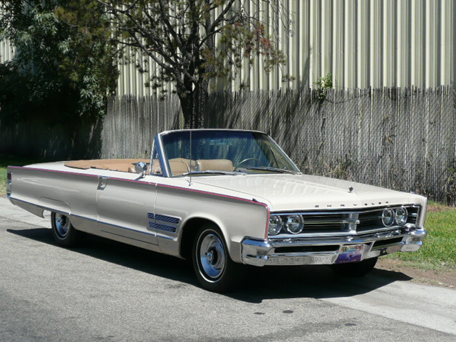 1966 CHRYSLER 300 CONVERTIBLE - Front 3/4 - 62405