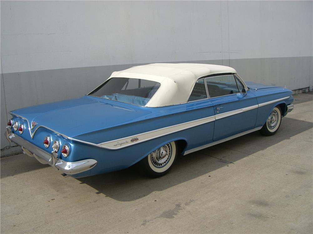 1961 CHEVROLET IMPALA SS 409 CONVERTIBLE - Rear 3/4 - 62744
