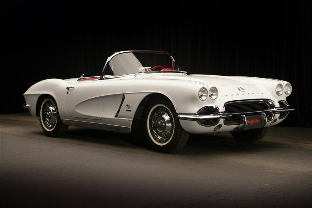 1962 CHEVROLET CORVETTE CONVERTIBLE - Front 3/4 - 63810