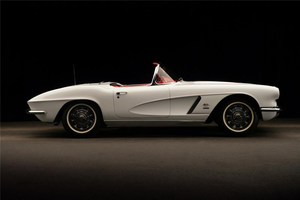 1962 CHEVROLET CORVETTE CONVERTIBLE - Side Profile - 63810