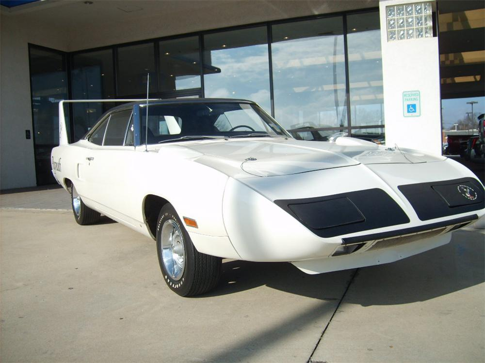 1970 PLYMOUTH SUPERBIRD 2 DOOR  HARDTOP - Front 3/4 - 63819