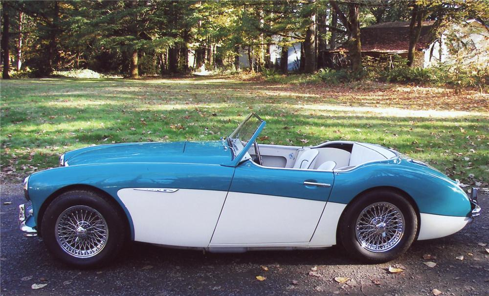 1960 AUSTIN-HEALEY 3000 BT7 ROADSTER - Side Profile - 63822