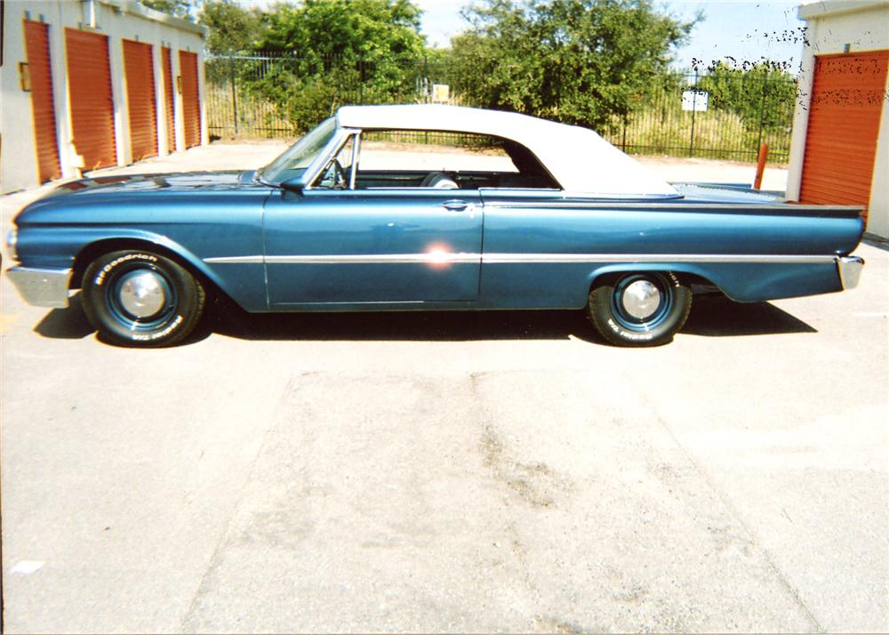 1961 FORD GALAXIE SUNLINER CONVERTIBLE - Side Profile - 63829
