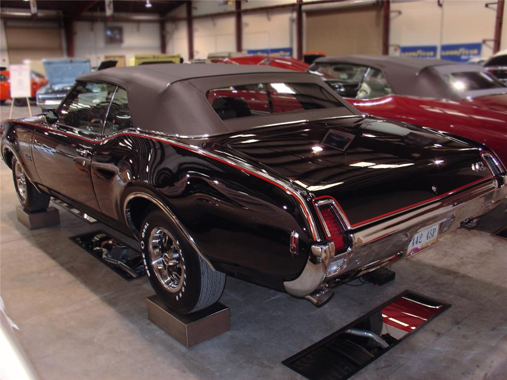 1969 OLDSMOBILE 442 CONVERTIBLE - Rear 3/4 - 63839
