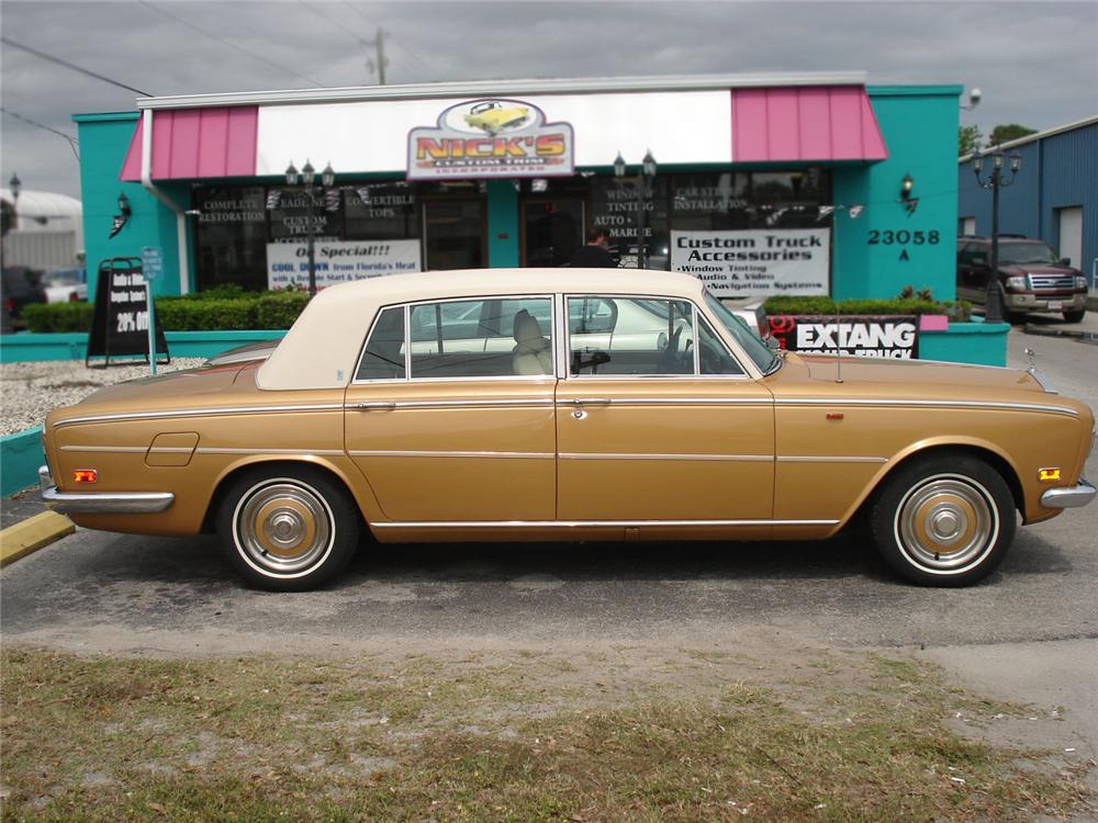 1973 ROLLS-ROYCE SILVER SHADOW 4 DOOR SEDAN - Side Profile - 63882