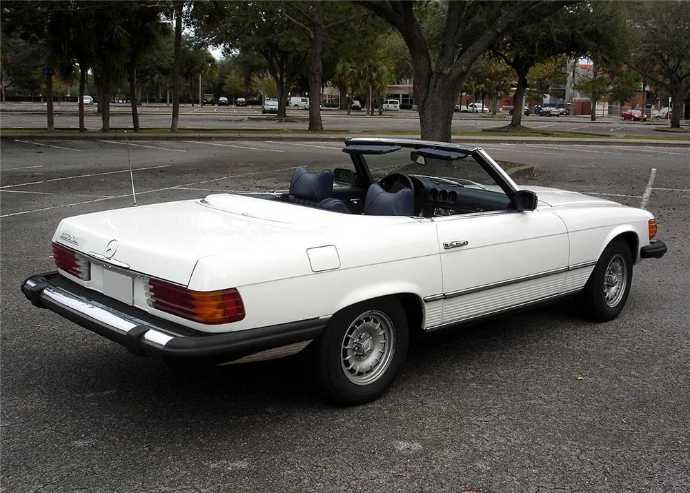 1978 MERCEDES-BENZ 450SL ROADSTER CONVERTIBLE - Rear 3/4 - 63883