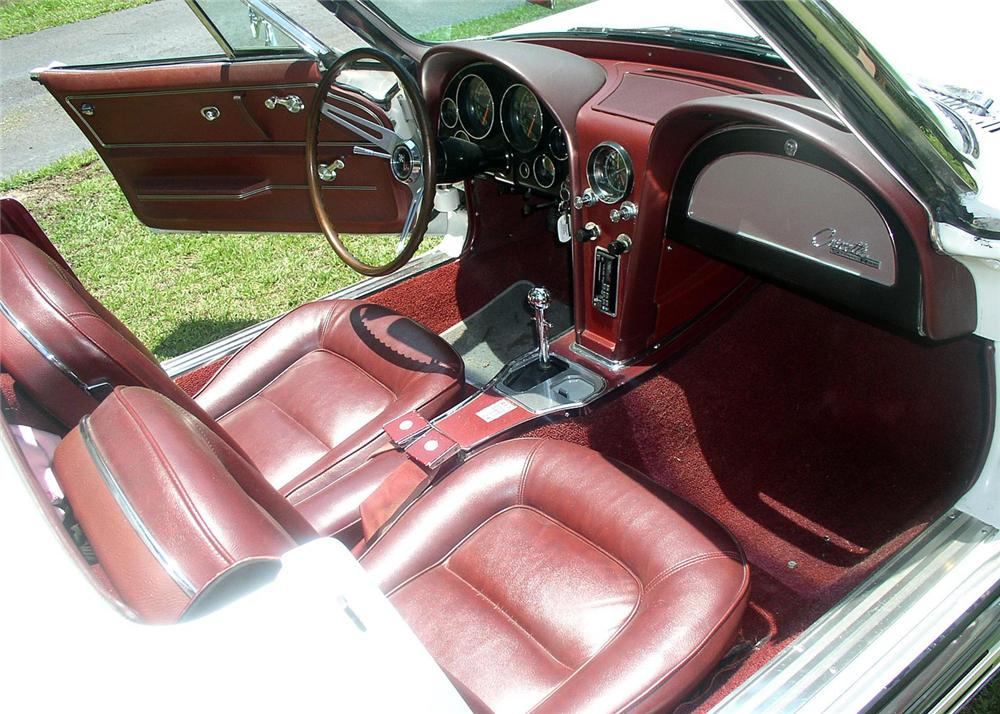 1965 CHEVROLET CORVETTE CONVERTIBLE - Interior - 63885
