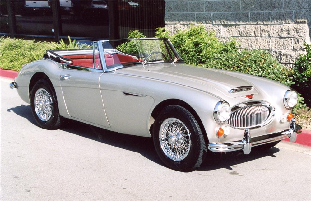 1965 AUSTIN-HEALEY 3000 MARK III BJ8 CONVERTIBLE - Front 3/4 - 63943