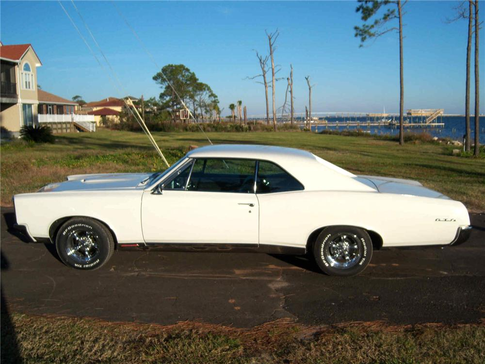 1967 PONTIAC GTO 2 DOOR HARDTOP - Side Profile - 63958