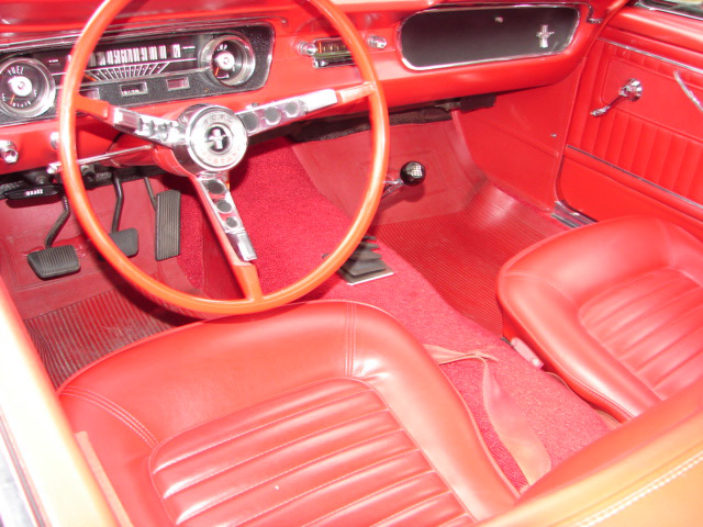 1965 FORD MUSTANG CONVERTIBLE - Interior - 63963