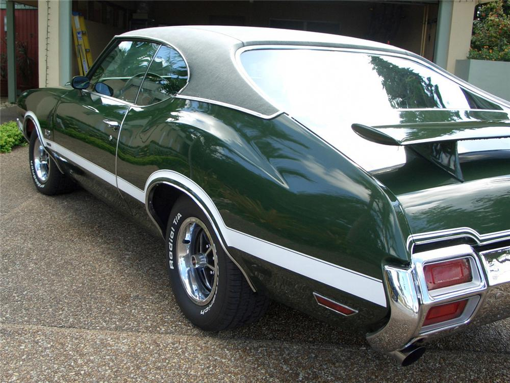 1971 OLDSMOBILE 442 W30 2 DOOR COUPE - Rear 3/4 - 63969