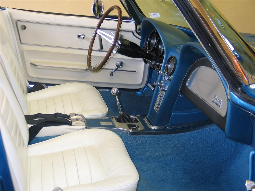1966 CHEVROLET CORVETTE CONVERTIBLE - Interior - 63970