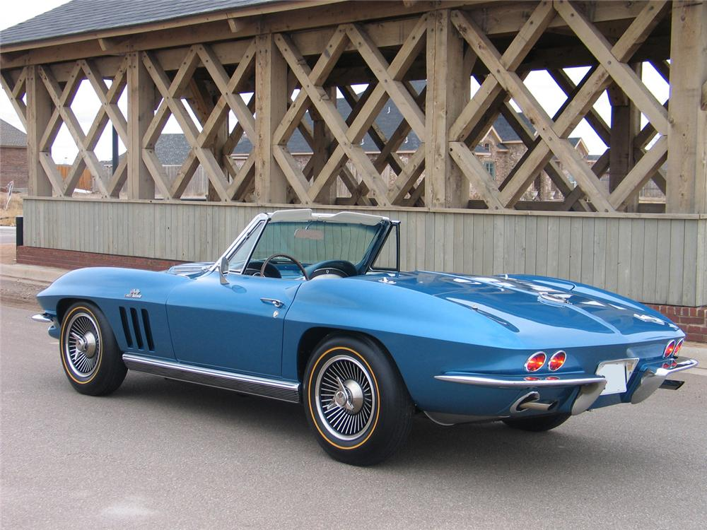1966 CHEVROLET CORVETTE CONVERTIBLE - Rear 3/4 - 63970