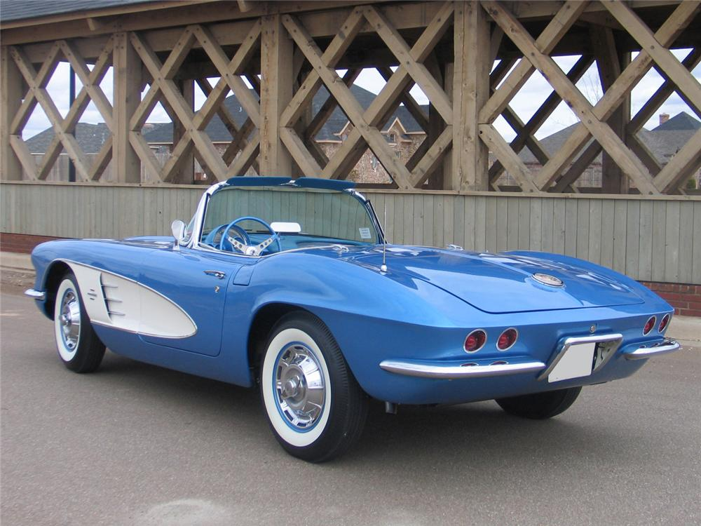 1961 CHEVROLET CORVETTE CONVERTIBLE - Rear 3/4 - 63972