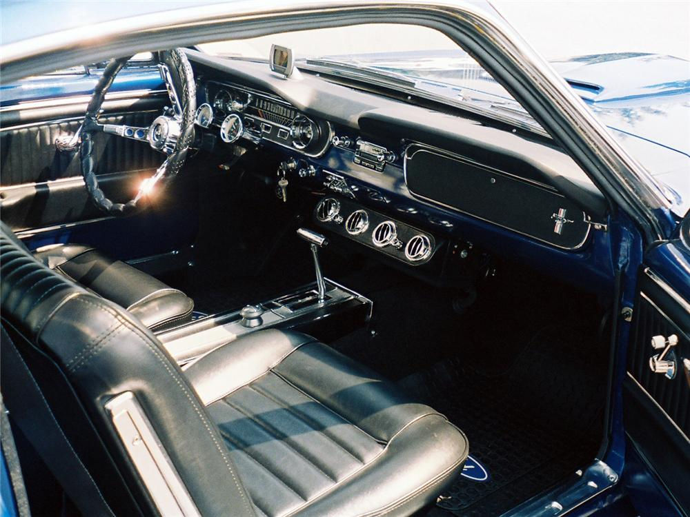 1965 FORD MUSTANG FASTBACK - Interior - 63980