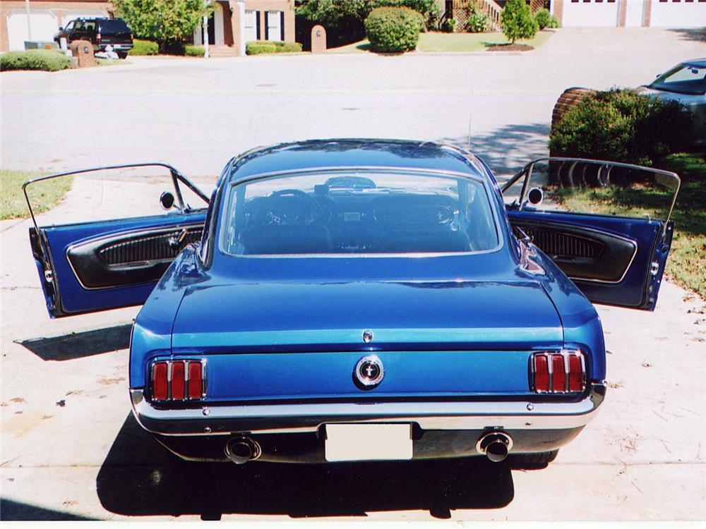 1965 FORD MUSTANG FASTBACK - Rear 3/4 - 63980