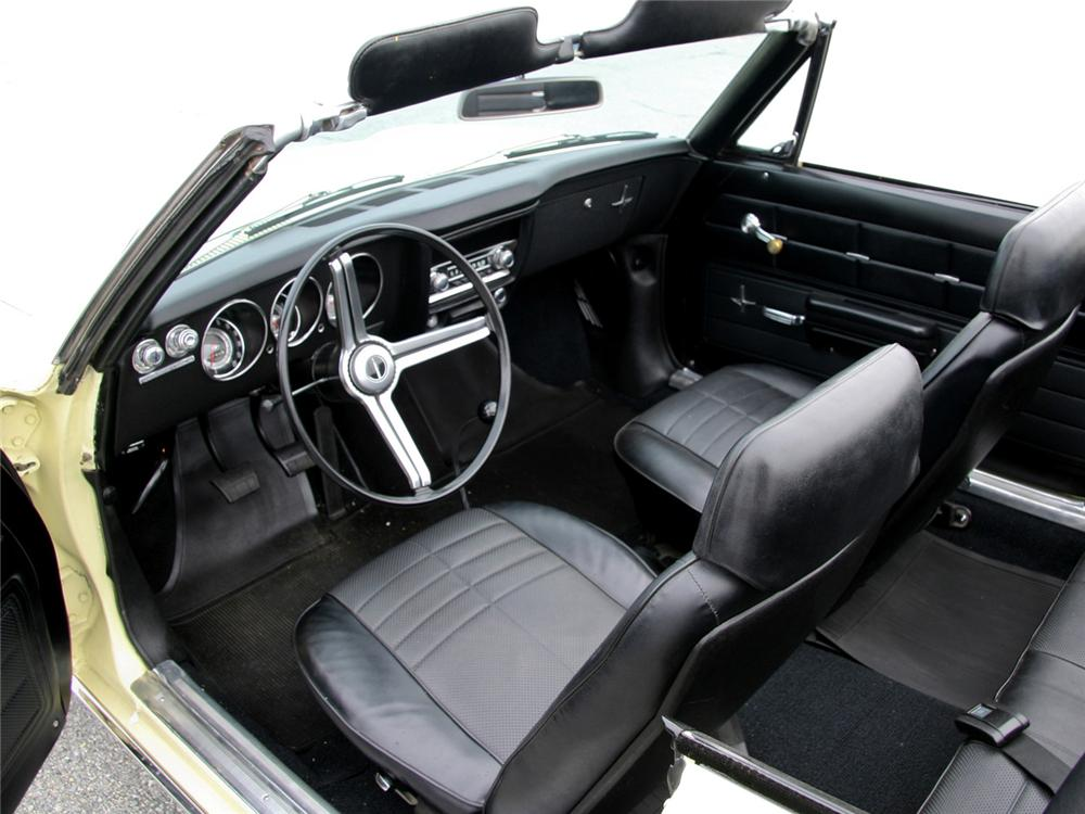1969 CHEVROLET CORVAIR MONZA CONVERTIBLE - Interior - 63999