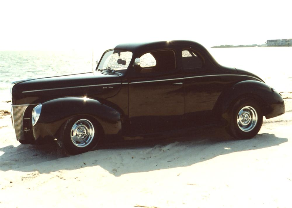 1940 FORD CUSTOM STREET ROD 2 DOOR COUPE - Side Profile - 64006