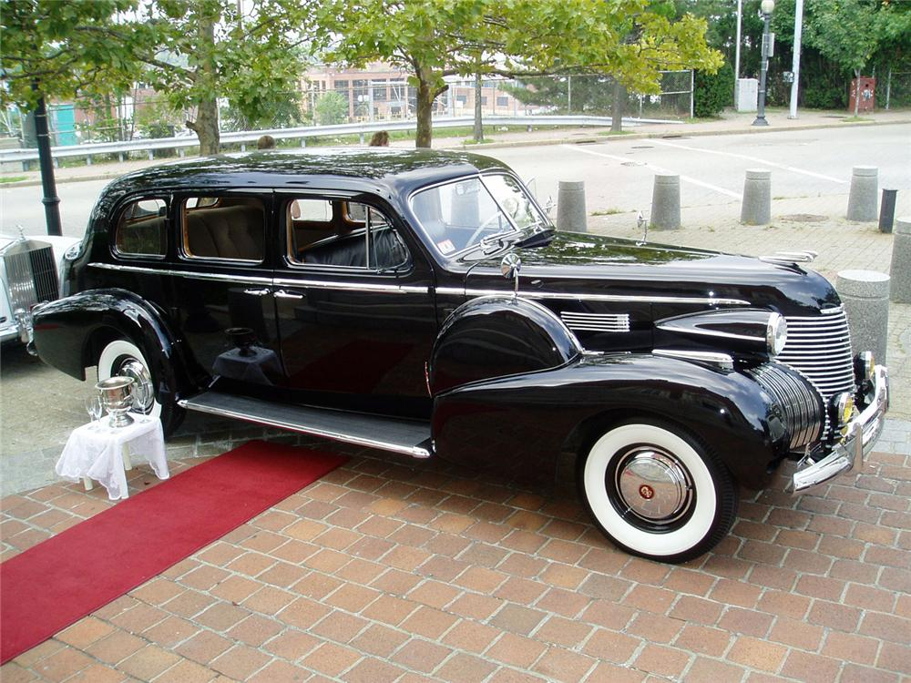 1940 CADILLAC FLEETWOOD LIMO CUSTOM 4 DOOR - Front 3/4 - 64008