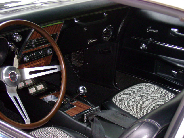 1968 CHEVROLET CAMARO Z/28 RS 2 DOOR - Interior - 64010