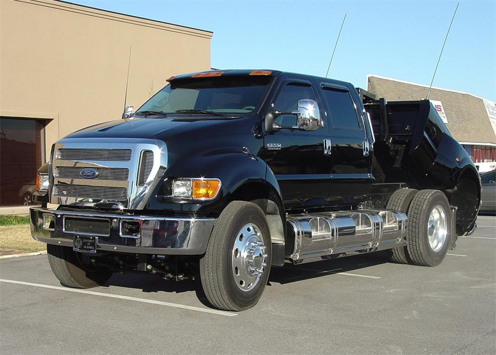 2006 FORD F-650 SD CUSTOM SUPERTRUCK - Front 3/4 - 64013