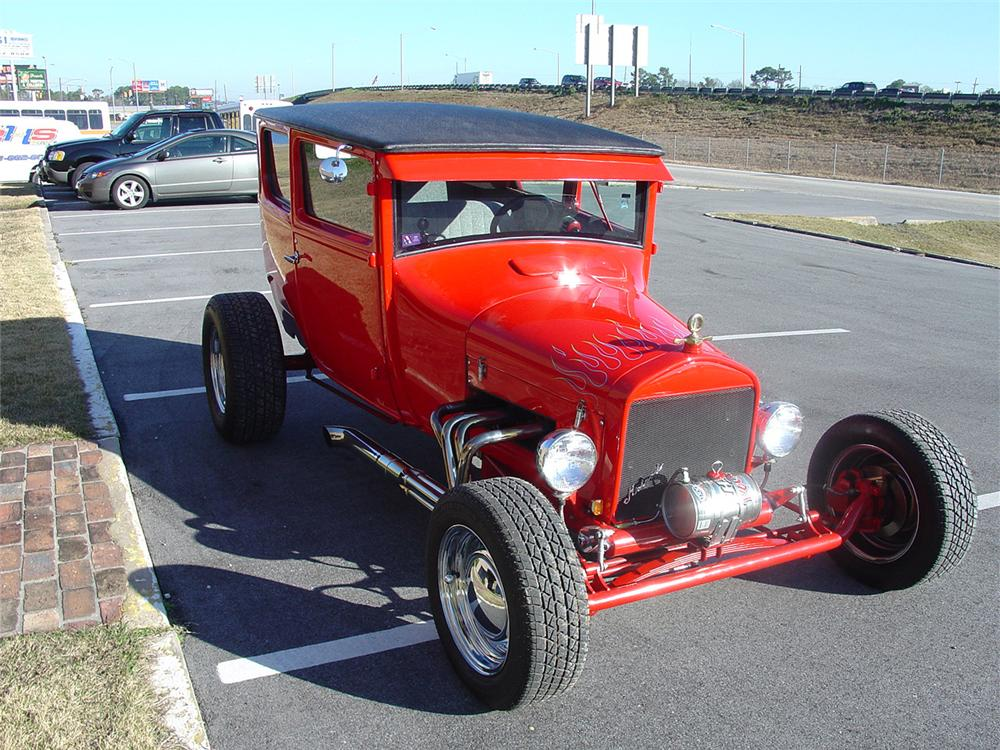 1927 FORD CUSTOM COUPE - Front 3/4 - 64016