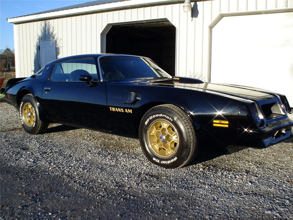 1976 PONTIAC FIREBIRD TRANS AM COUPE - Front 3/4 - 64024