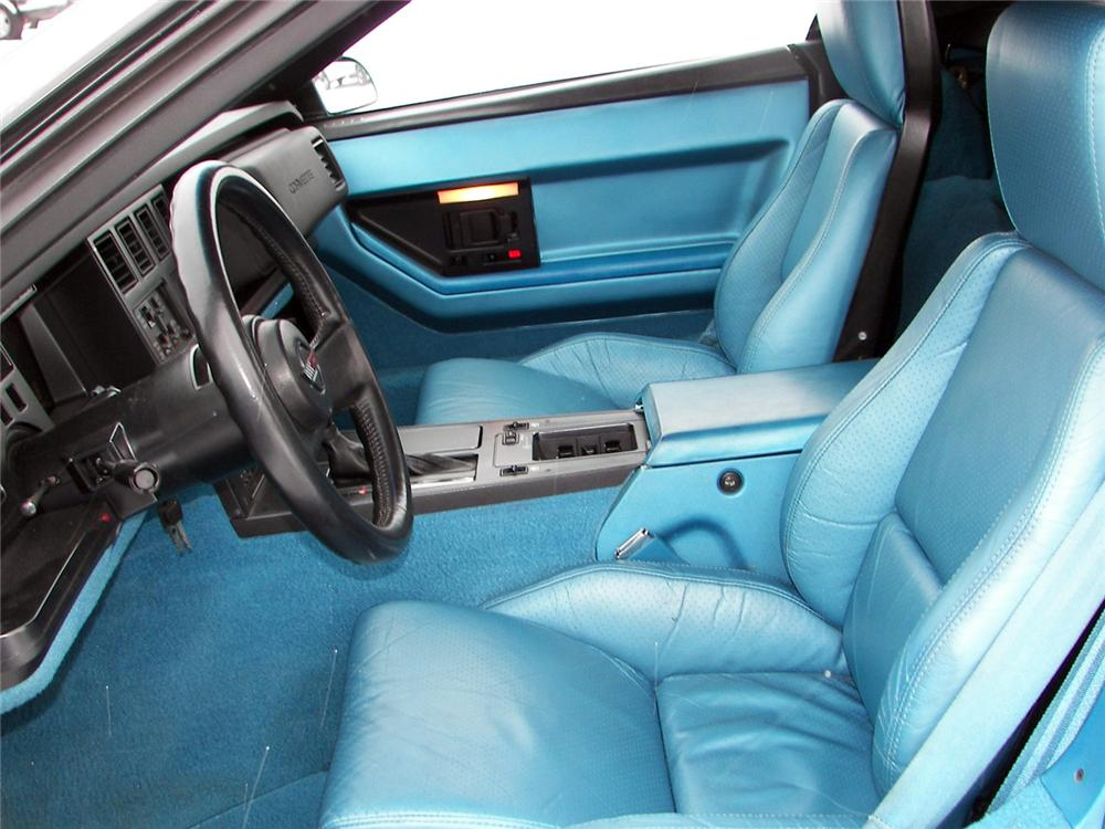 1988 CHEVROLET CORVETTE CONVERTIBLE - Interior - 64040