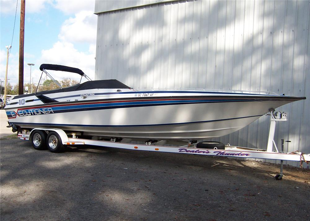 1985 FOUNTAIN EXECUTIONER 33 BOAT - Front 3/4 - 64048